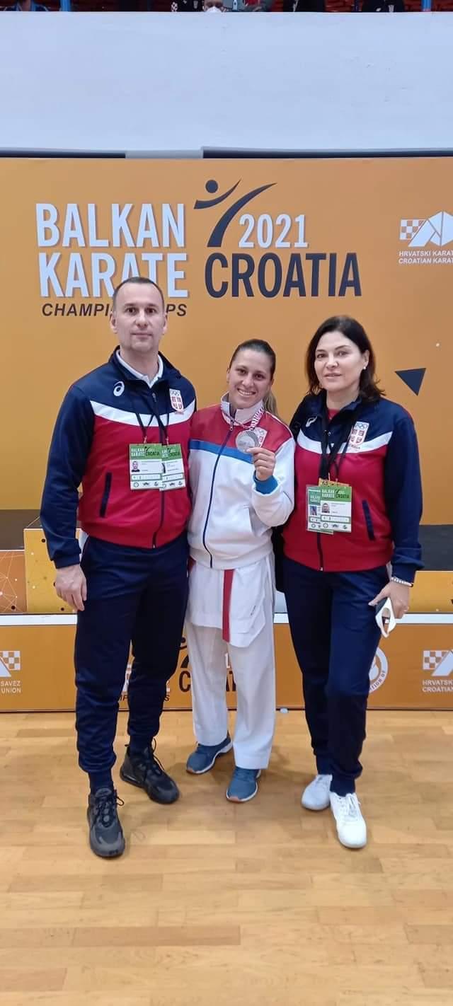 Karatisti Mladenovca osvojili sedam medalja na Prvenstvu Balkana održanom u Poreču